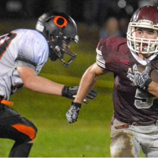 Amherst football looks to ride momentum in second straight playoff appearance